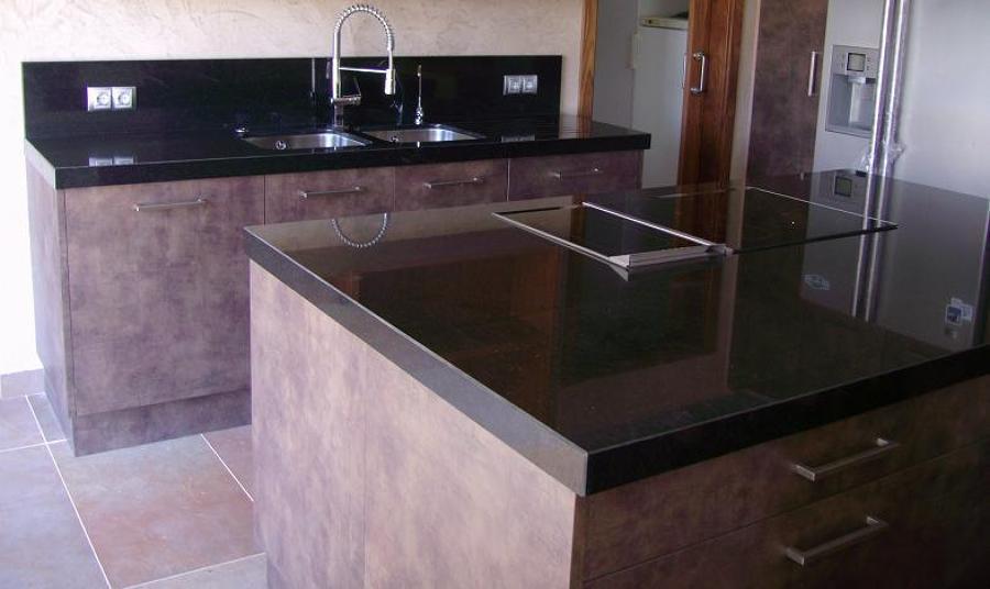 Foto granito importacion de marbres nou iluro s l - Encimera granito negro ...