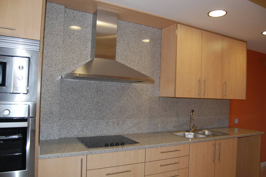 Foto granito nacional de marbres nou iluro s l 921498 for Encimera de granito gris