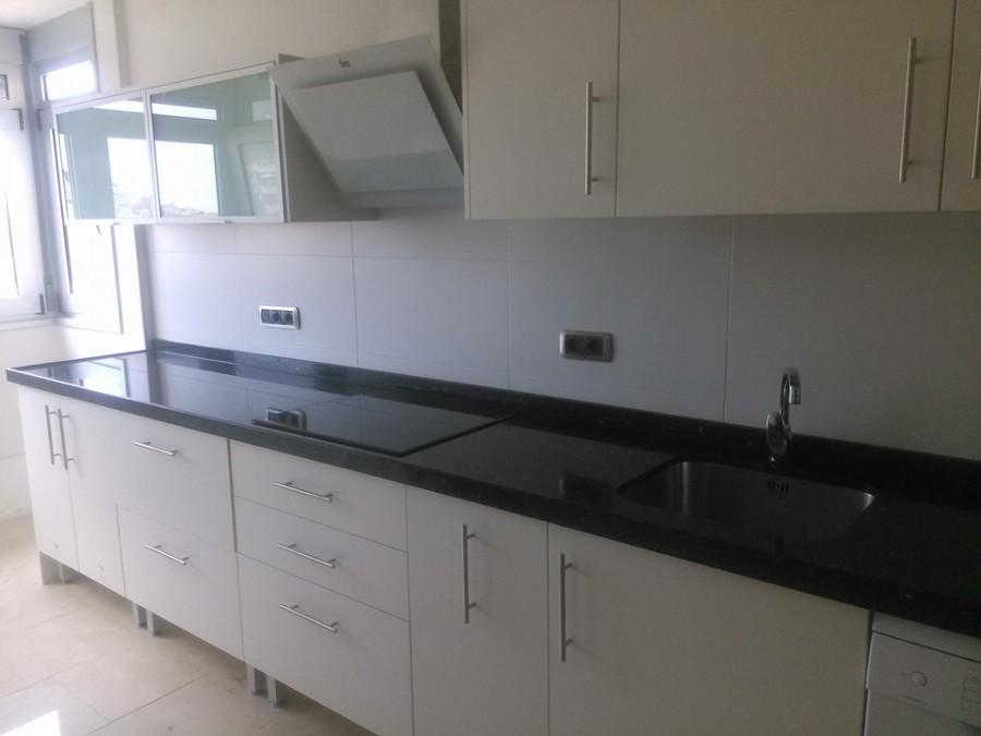 Kitchen design ideas reformas cocinas - Granito negro intenso ...