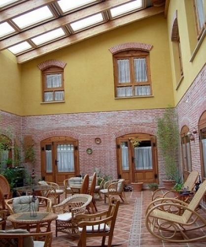 Granja Escuela y Albergue rural en San Martin de la Vega del Alberche, Avila