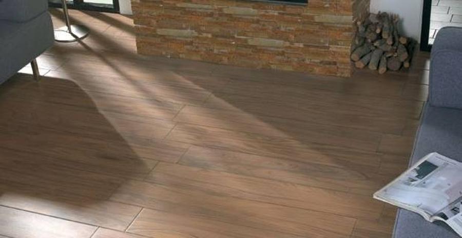 Soluciones alguno de nuestros servicios trabajos ideas reformas viviendas - Suelo ceramica imitacion madera ...
