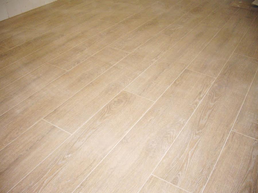 Suelos imitacion parquet simple pavimento de gres - Suelo imitacion parquet ...