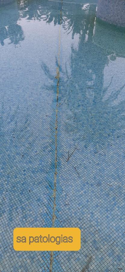 grietas en piscina 765