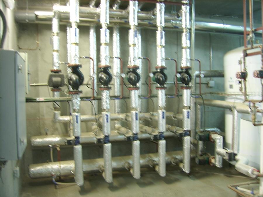 Sala de calderas y cuarto de instalaciones ideas - Bomba de frio para suelo radiante ...