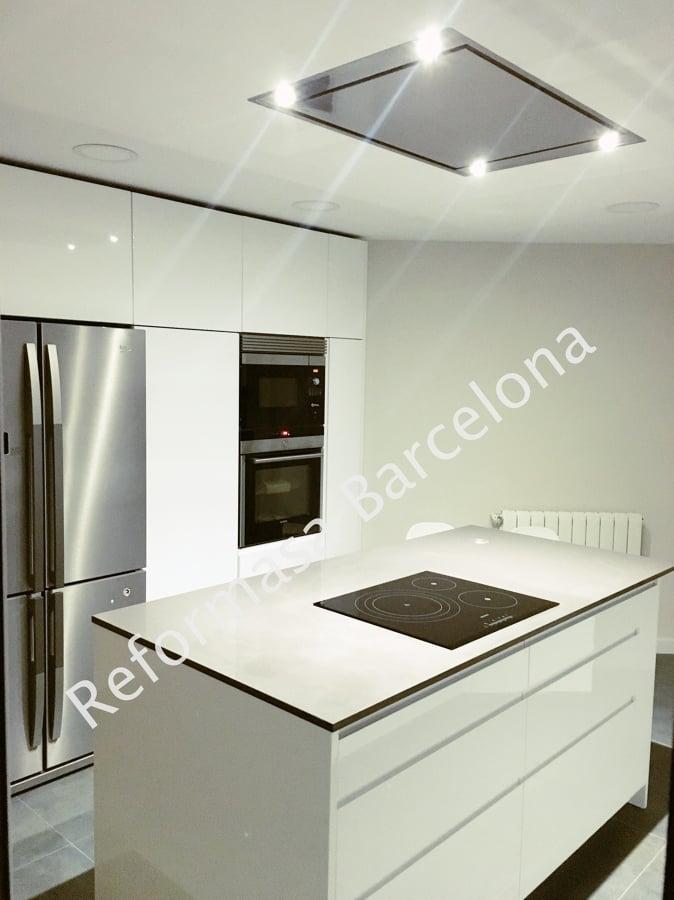 Extractor de techo para cocina free extractor rectangular doble para cocina baos oficinas with - Extractores para cocina ...
