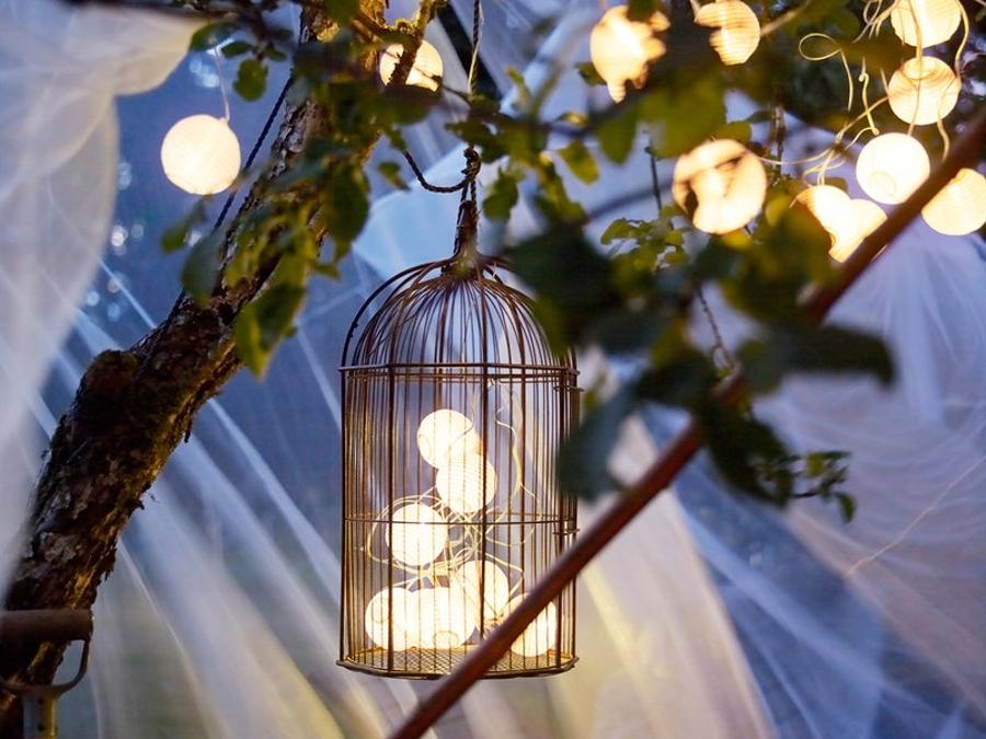 Haz brillar tu terraza con guirnaldas luminosas ideas for Luces led jardin ikea