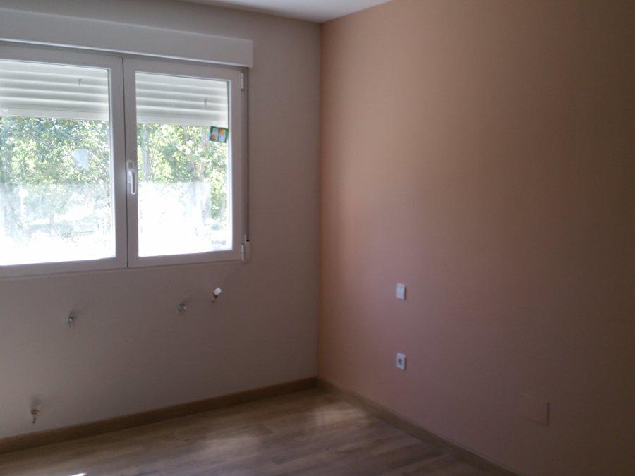 Pintura en liso con velo, ventana de aluminio en blanco con .jpg