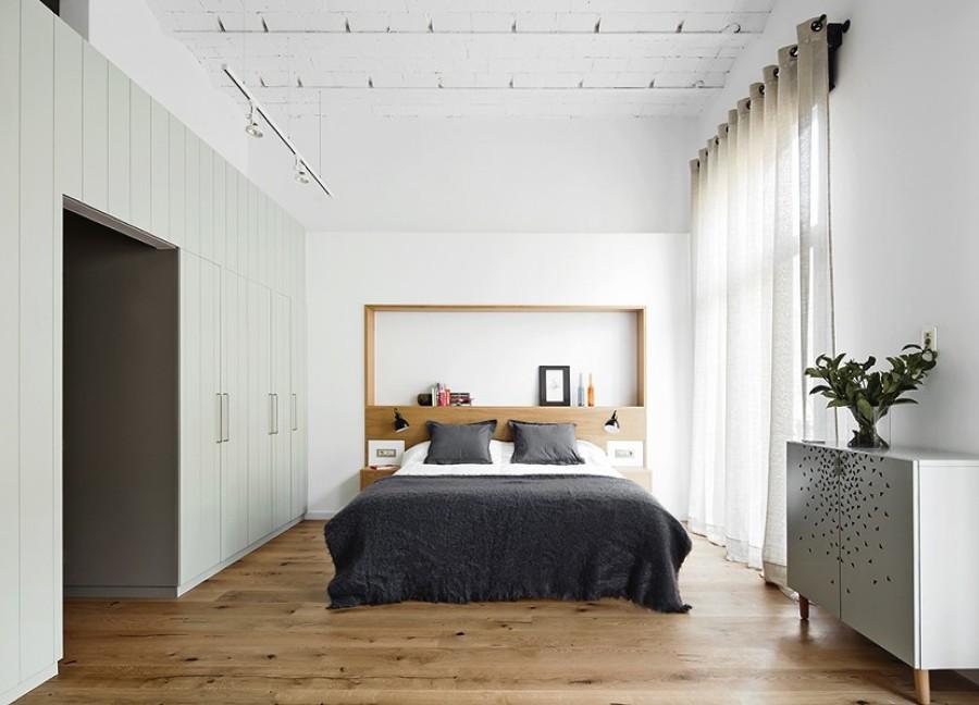 Habitación cabecero madera