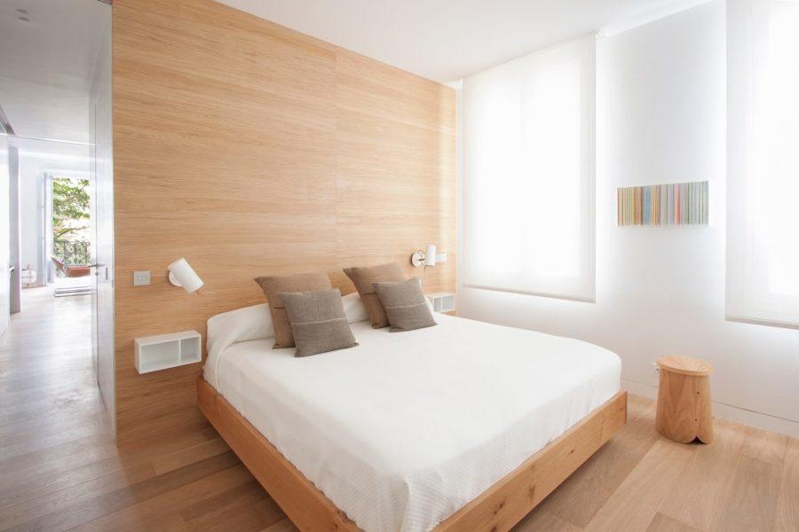 Habitación cabecero de madera