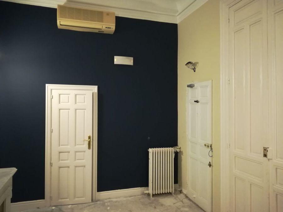 habitacion con puertas