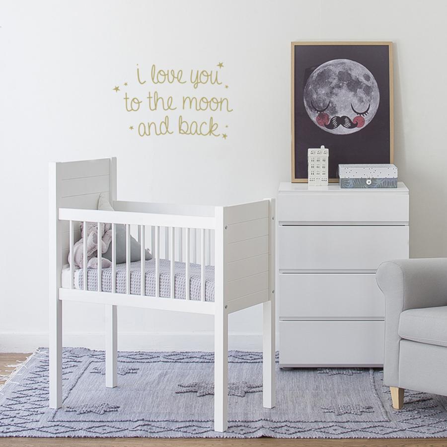 habitacin de beb en blanco