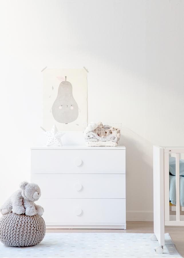 Consigue una habitaci n de estilo n rdico para tu beb - Comodas para habitacion ...