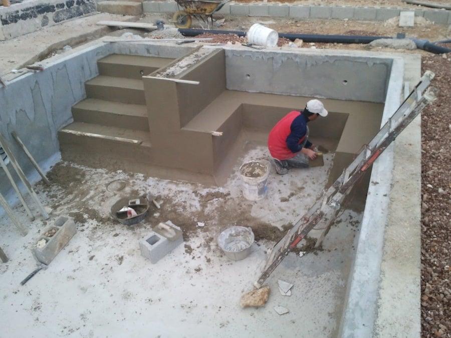 foto hacer escalera piscina de construcciones y reformas