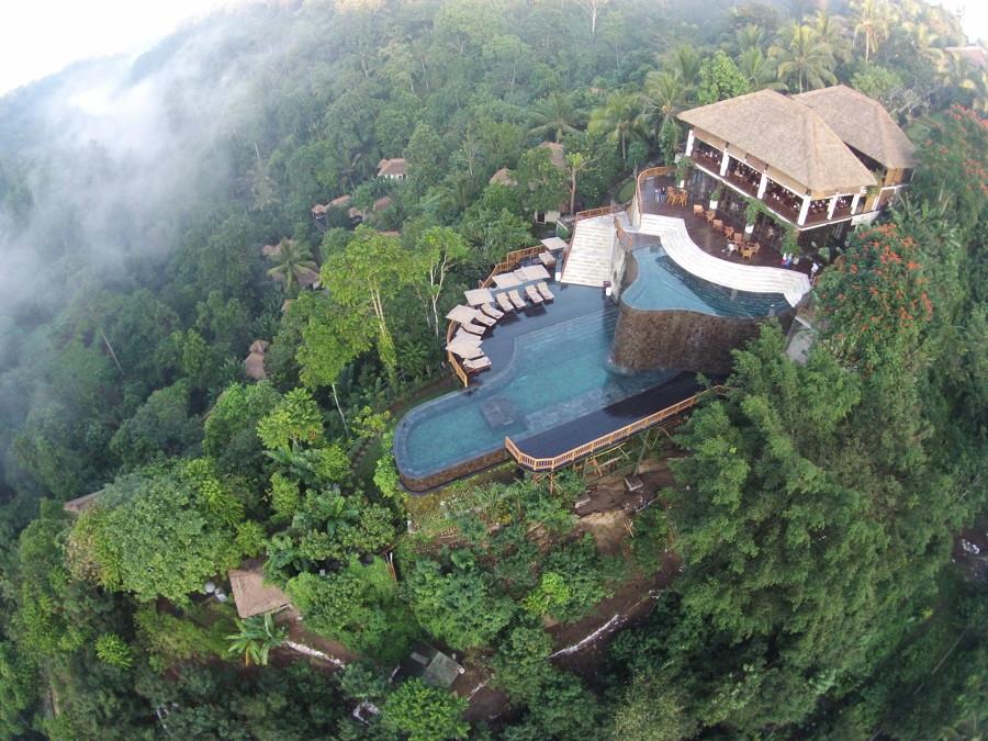 Hanging Gardens pool