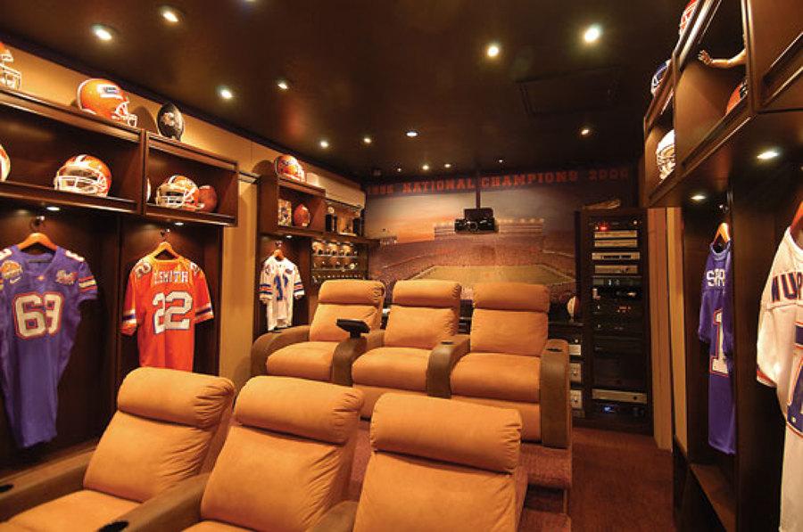 12 cines alucinantes para tener en casa ideas decoradores - Realizzare sala cinema in casa ...