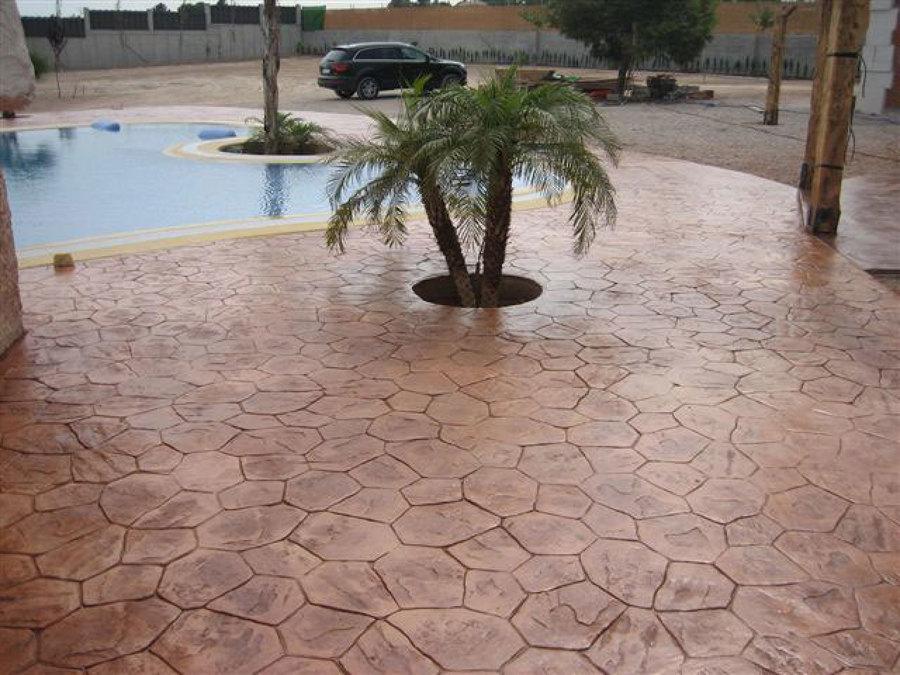Foto hormigon impreso imitacion piedra irregular de for Suelos para jardines fotos