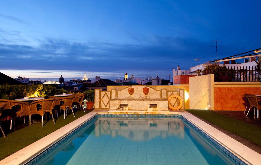 Oasis urbanos secretos gu a de las mejores terrazas for Hotel con piscina en cordoba
