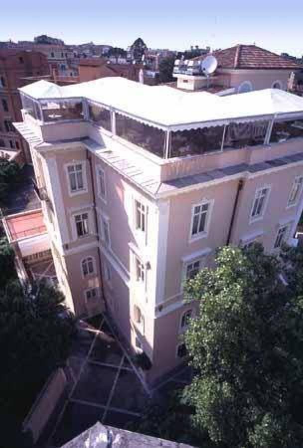 HOTEL VILLA MORGAGNI (Roma) 4* - 34 Habitaciones