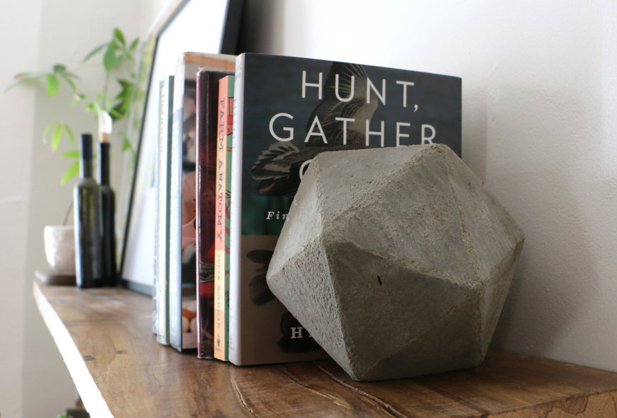 how-to-make-geometric-concrete-bookends_ehow-1024x694