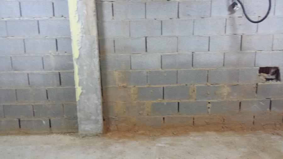 Foto humedad en suelo y paredes de novoreform 796373 - Humedad en pared ...
