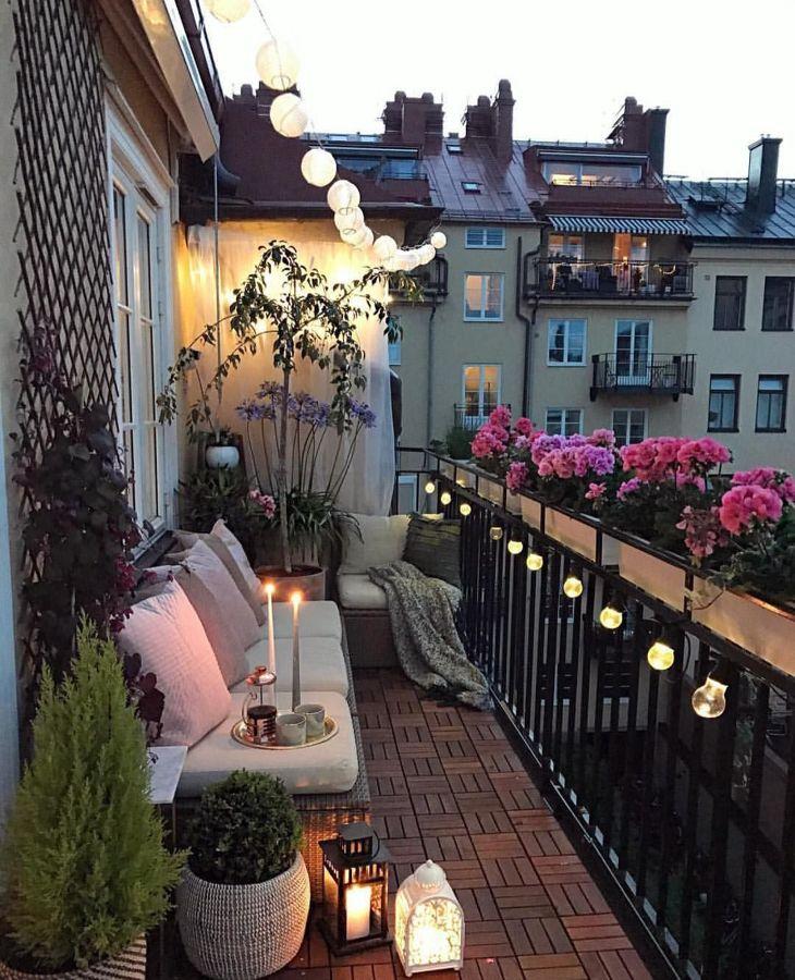 Iluminación balcones guirnaldas y faroles