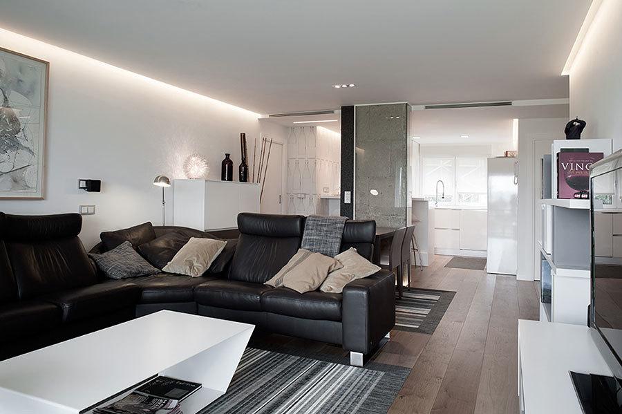Iluminación de entrada, cocina y sala