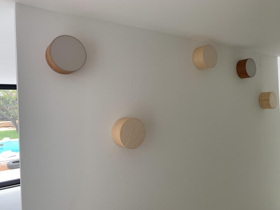 Iluminación decorativa en pasillo al vestidor