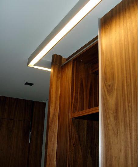 Iluminación e interior armario