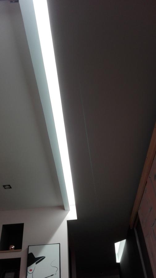 Iluminación en pasillo