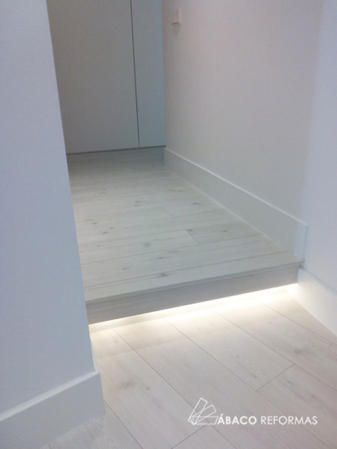 Iluminación indirecta en el recibidor