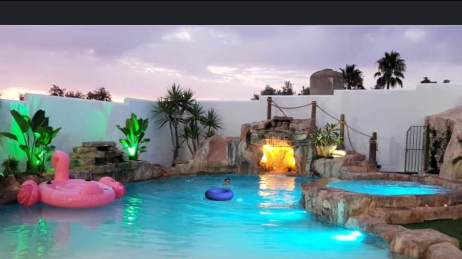 Iluminación led  piscina terminada