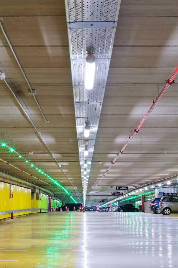 Iluminación Parking Serrano