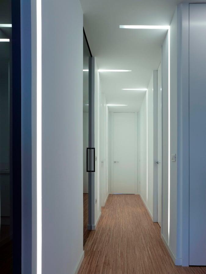 El in genio de las l mparas c mo iluminar el pasillo - Pintar lamparas de techo ...