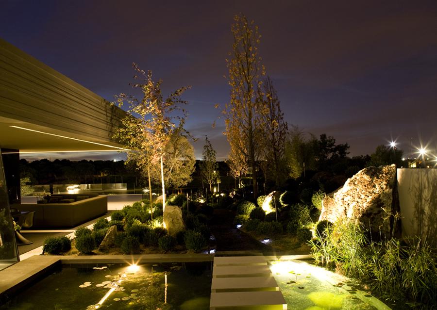 C mo iluminar la terraza sin electricidad ideas jardineros for Iluminar jardin sin electricidad