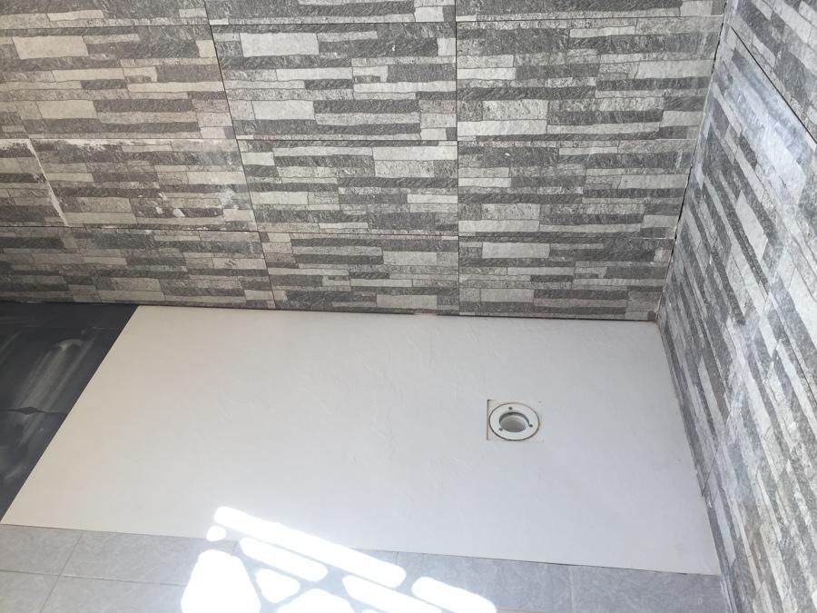 Cambio de ba era por plato de ducha extraplano ideas - Azulejos para duchas de obra ...