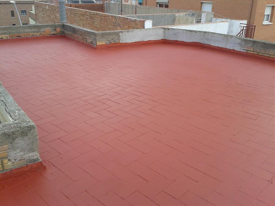 Impermeabilización de terraza afectada por filtración de agua