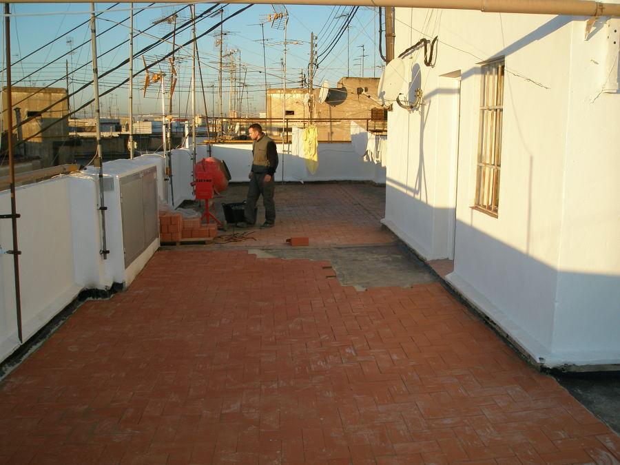 impermeabilizan de la terrasa comunitaria sobre el piso