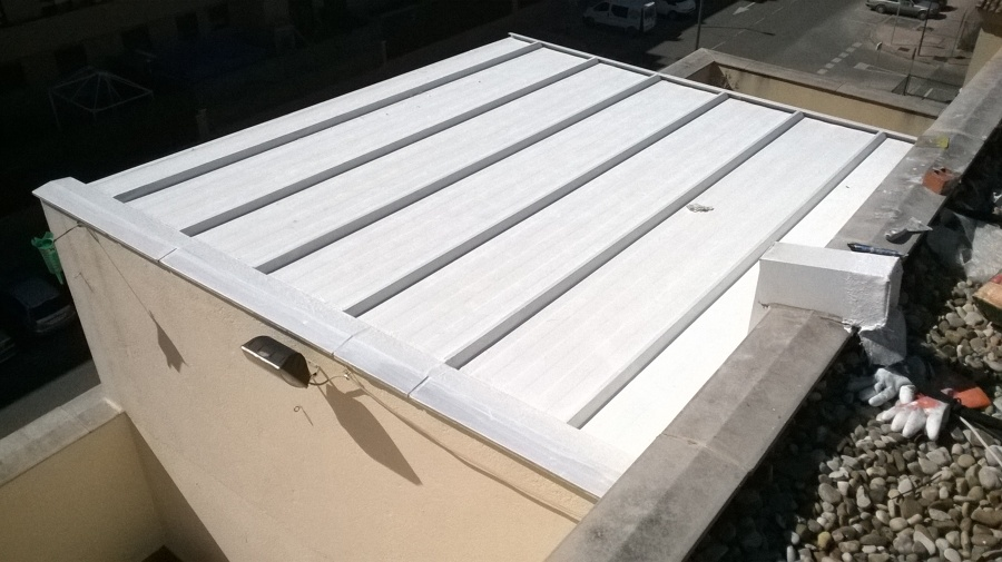 Impermeabilzado nuevo de cubierta panel sandwich.