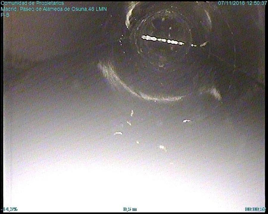 inspección tubo PVC atascado