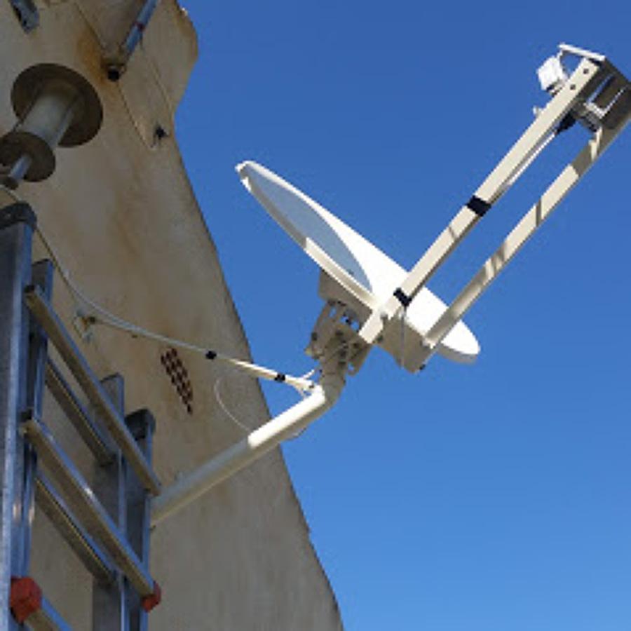 Instalación antena para internet satélite