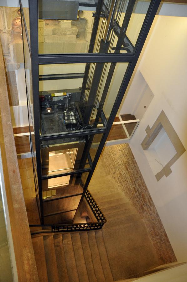 foto instalaci n ascensor en hueco de escalera de