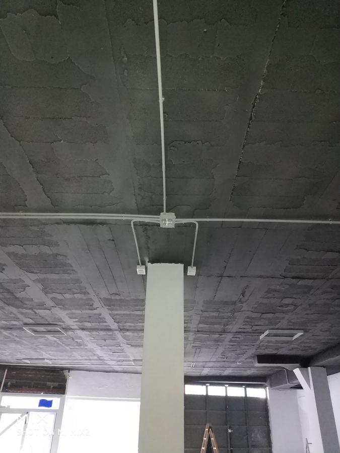 Instalación con tubo H libre de halogenos
