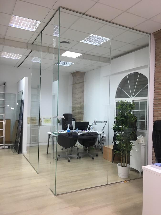 Instalación Cristalera Despacho Dirección