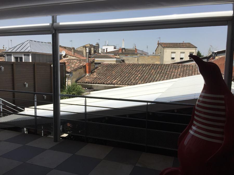 Instalación de 2 pérgolas y 4 toldos verticales en Burdeos