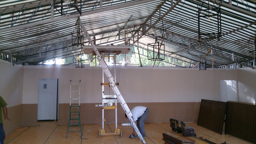 Foto instalaci n de aire acondicionado en caseta de feria for Alquiler de equipos de aire acondicionado