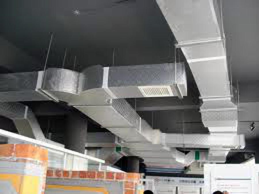 Foto instalaci n de aire acondicionado por conductos de for Maquina aire acondicionado por conductos