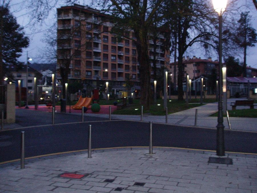 Foto instalaci n de alumbrado exterior de calle y plaza - Electricistas en bilbao ...