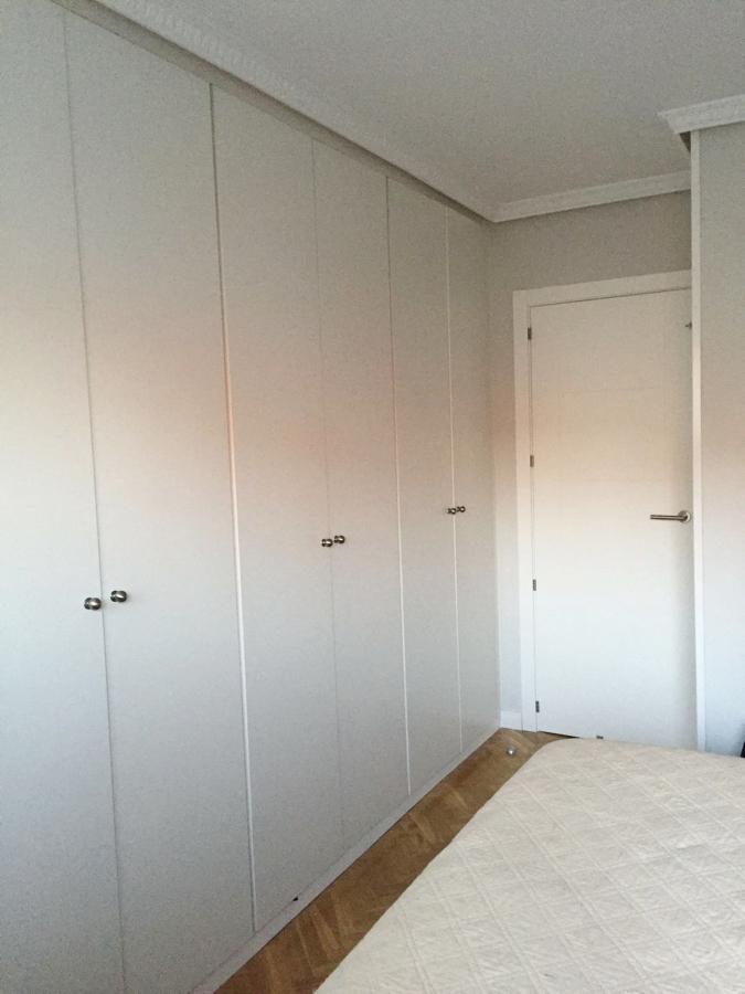Instalación de armario en malemina blanca