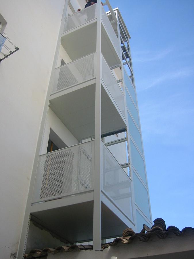 Instalación de ascensor en fachada