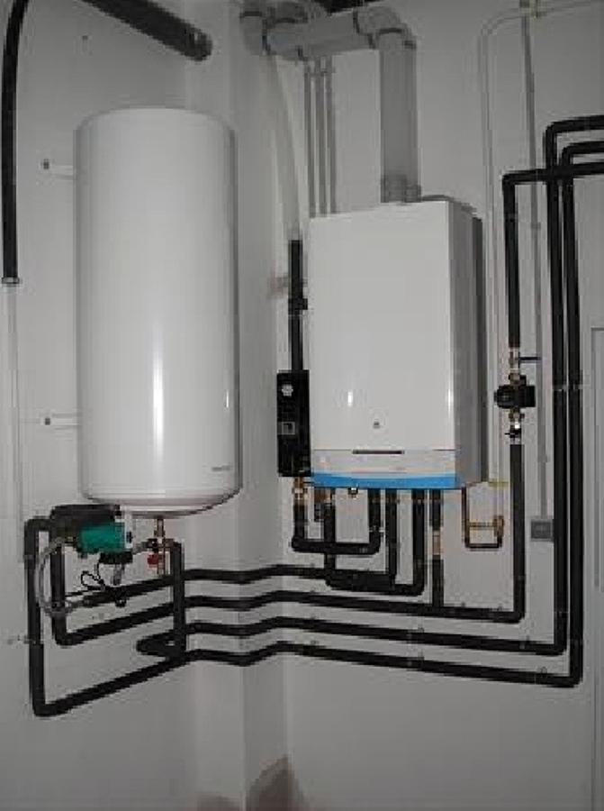 Foto instalacion de caldera y acumulador con - Acumulador de agua electrico ...